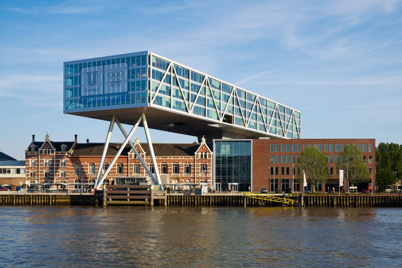 De brug de kade jhk architecten for Arquitectura holandesa