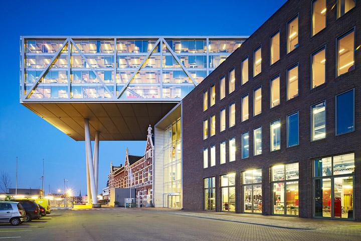 De Kade Eindhoven.De Brug De Kade Jhk Architecten
